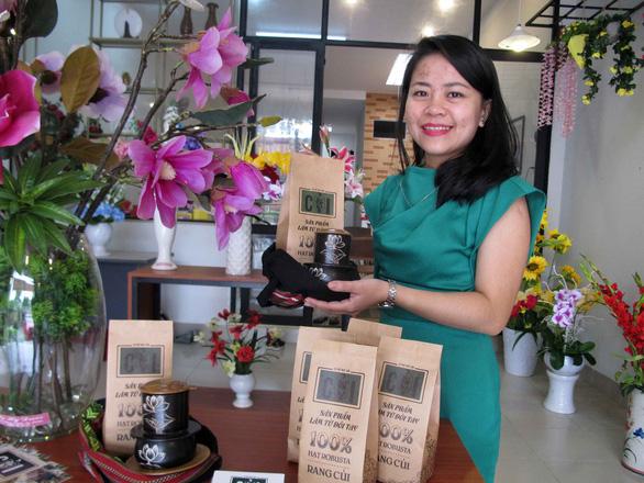 Cô gái trẻ khởi nghiệp với cà phê thổ cẩm - Ảnh 1.
