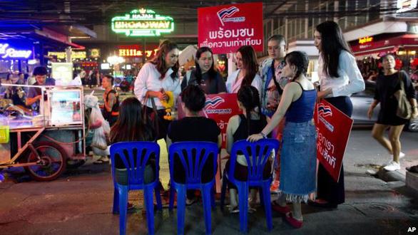 Ứng viên chuyển giới tranh cử ghế thủ tướng Thái Lan - Ảnh 3.