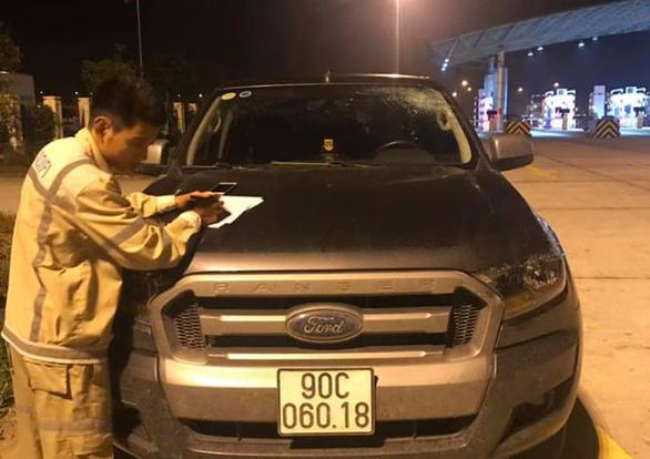 Ôtô bị ném vỡ kính trên đường cao tốc Hà Nội - Hải Phòng - Ảnh 3.