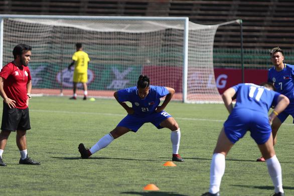Ban tổ chức nhầm lẫn: đội hình U22 Philippines có 10... thủ môn - Ảnh 1.