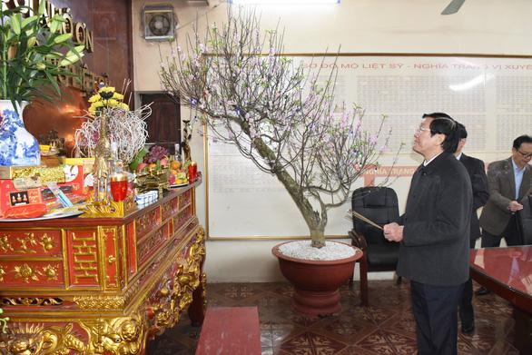 Nguyên Chủ tịch nước Trương Tấn Sang viếng liệt sĩ tại nghĩa trang Vị Xuyên - Ảnh 6.