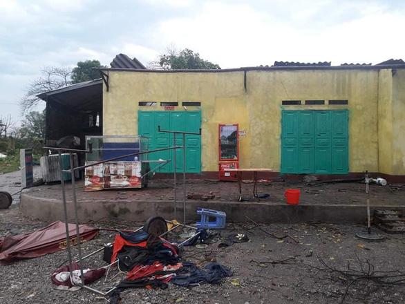 Hàng chục nhà dân bị thiệt hại do dông lốc, mưa đá ở các tỉnh phía Bắc - Ảnh 7.