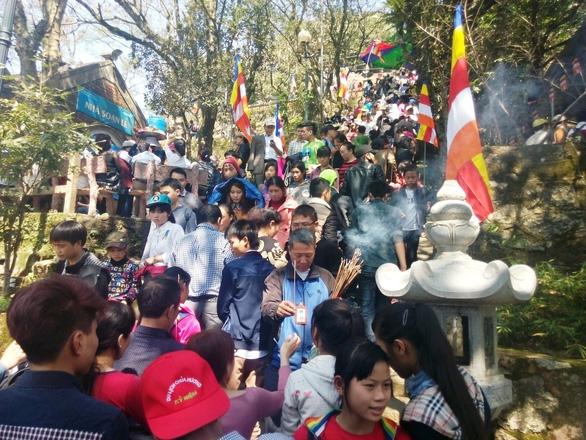 Giao chùa Hương Tích cho doanh nghiệp: Nhà nước không thu được đồng nào - Ảnh 1.