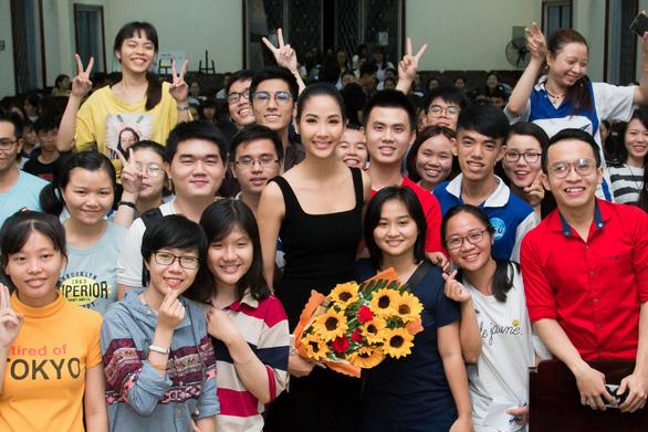 Hoàng Thùy làm diễn giả tại Hội nghị Liên kết thanh niên Đông Nam Á - Ảnh 2.