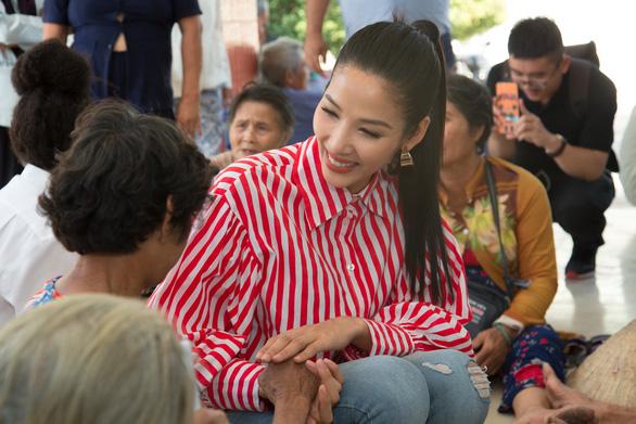 Hoàng Thùy làm diễn giả tại Hội nghị Liên kết thanh niên Đông Nam Á - Ảnh 3.