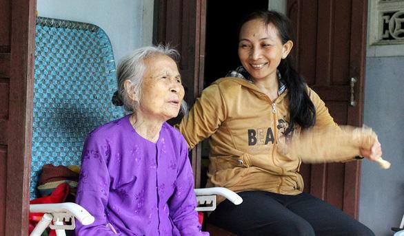 27 năm phụng dưỡng mẹ Việt Nam anh hùng - Ảnh 1.