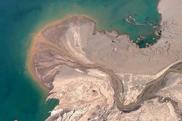 Ngắm Trái đất muôn vẻ từ Google Earth - Ảnh 3.