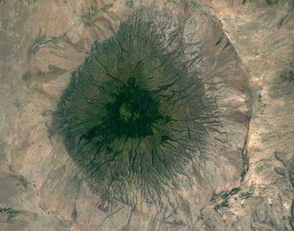 Ngắm Trái đất muôn vẻ từ Google Earth - Ảnh 2.