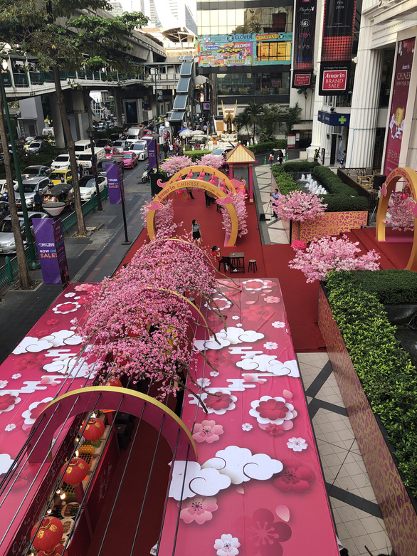Không phải tết truyền thống, kinh doanh dịp Tết Kỷ Hợi ở Thái vẫn khởi sắc - Ảnh 4.
