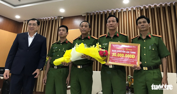 Đà Nẵng thưởng nóng cho ban chuyên án bắt ma túy đá - Ảnh 1.