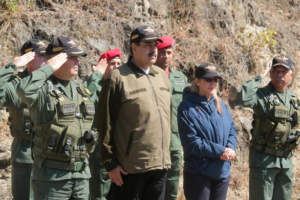Tướng không quân Venezuela công nhận 'Tổng thống lâm thời' Guaido - Ảnh 2.