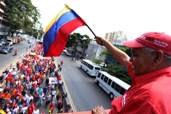 Tướng không quân Venezuela công nhận 'Tổng thống lâm thời' Guaido - Ảnh 3.