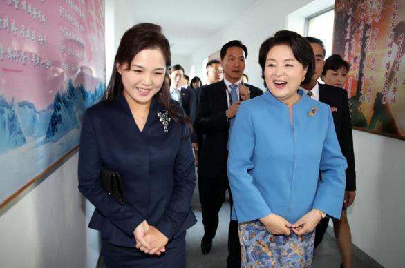 Chờ hai đệ nhất phu nhân Mỹ - Triều gặp nhau ở Hà Nội - Ảnh 3.