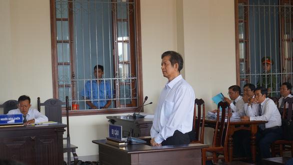 Nguyên giám đốc Vietcombank Tây Đô hầu tòa - Ảnh 2.