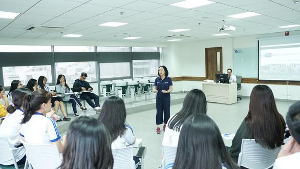 Các trường đại học đua nhau tuyển sinh ngành mới - Ảnh 1.