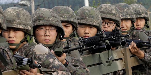 Trai Hàn mong chấm dứt chiến tranh Triều Tiên để khỏi đi nghĩa vụ - Ảnh 2.