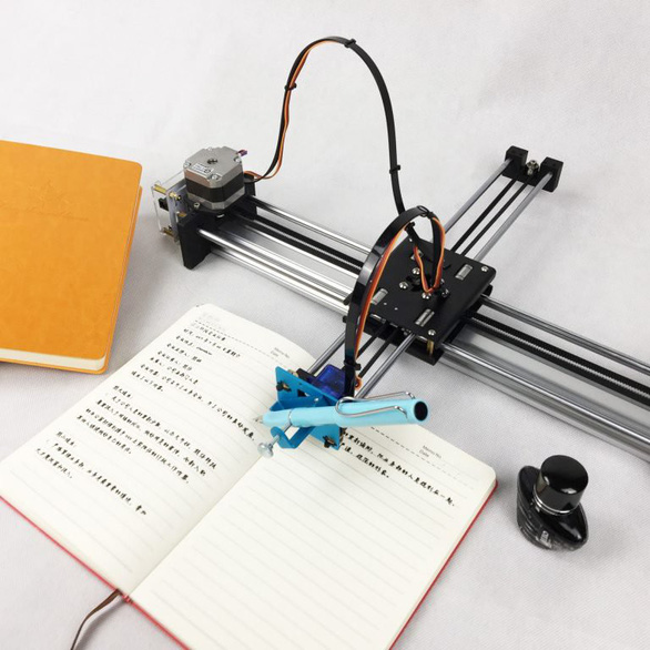 Bị bắt chép bài, học sinh Trung Quốc mua robot làm thay - Ảnh 2.