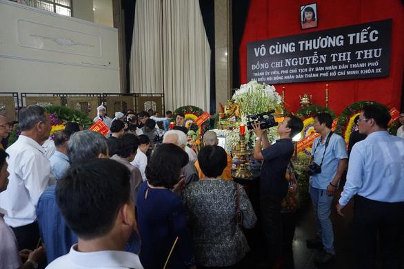 Đưa linh cữu bà Nguyễn Thị Thu về Nhà tang lễ thành phố - Ảnh 5.