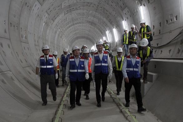 Chủ tịch UBND TP.HCM: Metro số 1 sẽ vận hành đúng tiến độ - Ảnh 1.