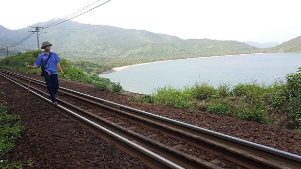 Tuần đường trên đỉnh Hải Vân - Ảnh 4.