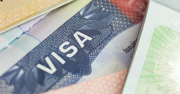 Việt Nam thí điểm cấp visa điện tử cho công dân 80 nước - Ảnh 2.