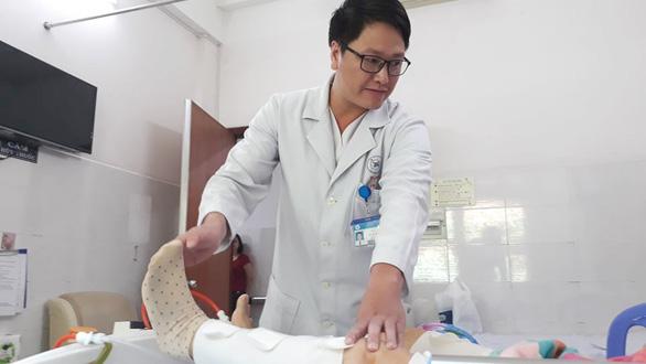 Trao giải Phạm Ngọc Thạch cho bác sĩ giúp giảm cơn đau nhanh - Ảnh 2.