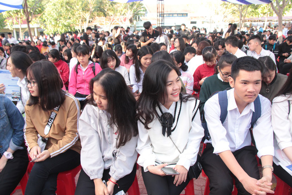 Bắt đầu tư vấn tuyển sinh hướng nghiệp tại Đắk Lắk - Ảnh 3.