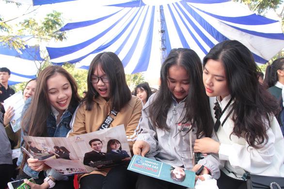 Bắt đầu tư vấn tuyển sinh hướng nghiệp tại Đắk Lắk - Ảnh 4.