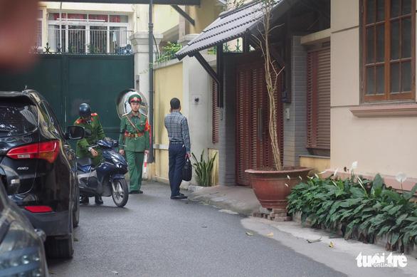 Cùng lúc khám nhà ông Nguyễn Bắc Son và ông Trương Minh Tuấn - Ảnh 2.
