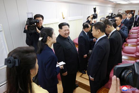 Bên trong đoàn tàu bọc thép của ông Kim Jong Un - Ảnh 3.