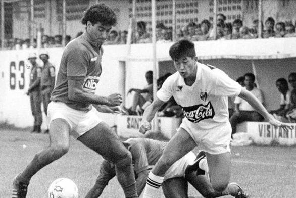 Tròn 52 tuổi, 'Vua Kazu' vẫn thi đấu mùa giải thứ 34 trong sự nghiệp - Ảnh 2.