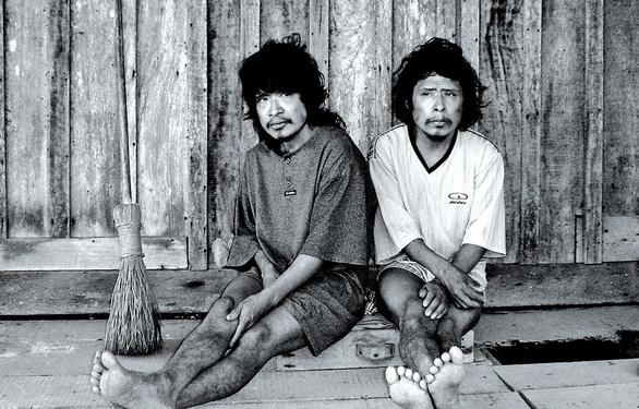 Các bộ tộc biệt lập nhất thế giới - Kỳ 3: Phát hiện lớn từ một tiếng cười - Ảnh 4.