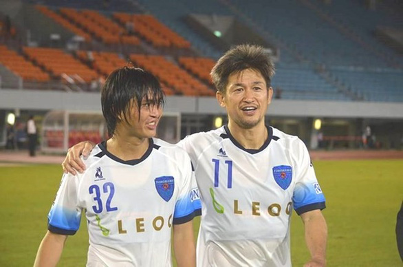 Tròn 52 tuổi, 'Vua Kazu' vẫn thi đấu mùa giải thứ 34 trong sự nghiệp - Ảnh 4.