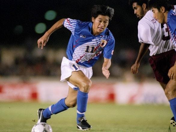 Tròn 52 tuổi, 'Vua Kazu' vẫn thi đấu mùa giải thứ 34 trong sự nghiệp - Ảnh 3.