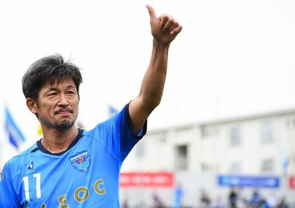 Tròn 52 tuổi, 'Vua Kazu' vẫn thi đấu mùa giải thứ 34 trong sự nghiệp - Ảnh 6.