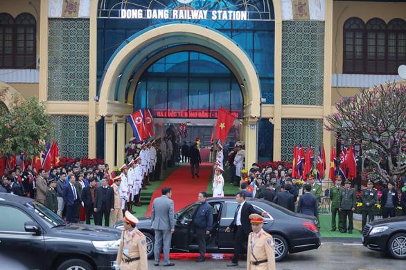 Tàu bọc thép chở Chủ tịch Kim Jong Un đã vào đất Việt Nam - Ảnh 2.