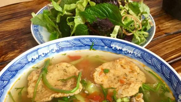 CNN gợi ý 5 món ăn đáng thử hơn cả phở khi đến Hà Nội - Ảnh 3.