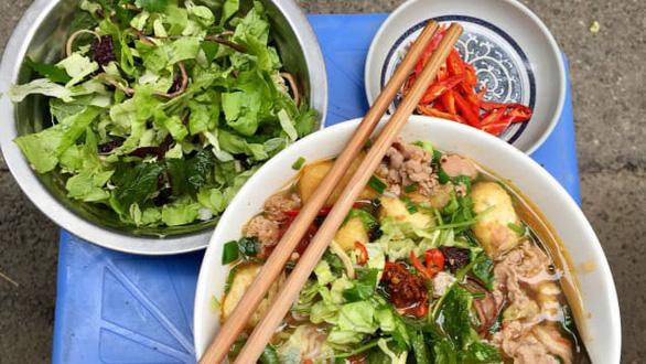 CNN gợi ý 5 món ăn đáng thử hơn cả phở khi đến Hà Nội - Ảnh 4.