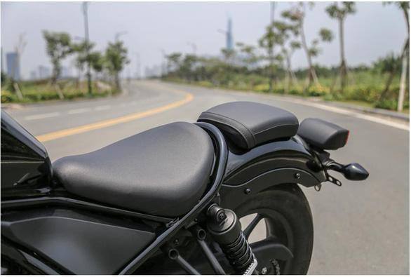 Honda Rebel 300 dành cho người mới dùng xe phân khối lớn - Ảnh 2.