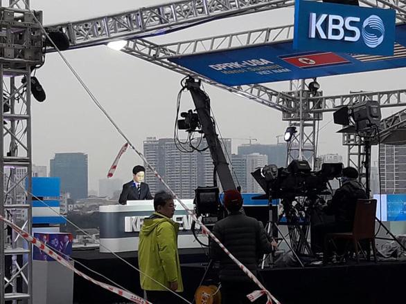 Cách làm báo như phim của truyền hình Hàn ở thượng đỉnh Mỹ - Triều là có thật - Ảnh 4.