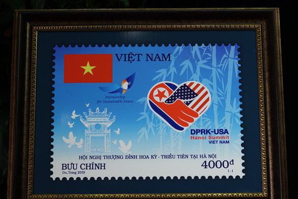 Việt Nam ra mắt bộ tem kỷ niệm thượng đỉnh Mỹ - Triều - Ảnh 2.