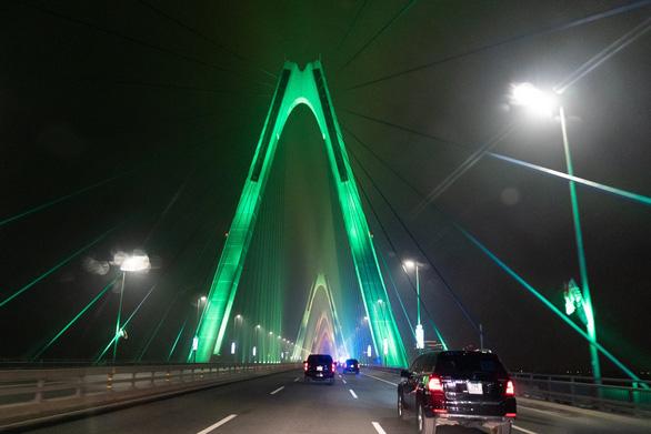 Cầu Nhật Tân xuất hiện trên trang Facebook của Nhà Trắng - Ảnh 3.