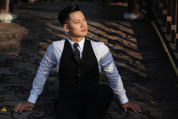 Đức Tuấn hát Dã tràng ca mừng sinh nhật nhạc sĩ Trịnh Công Sơn - Ảnh 3.