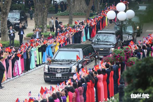 Thủ tướng Nguyễn Xuân Phúc hội kiến Tổng thống Trump - Ảnh 3.