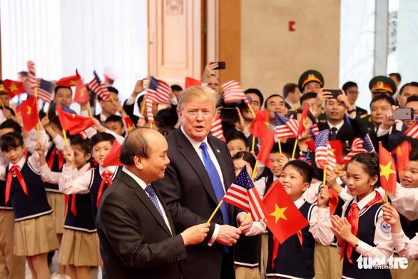 Thủ tướng Nguyễn Xuân Phúc hội kiến Tổng thống Trump - Ảnh 9.