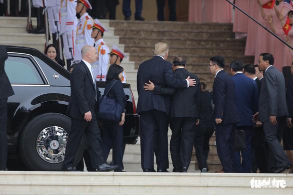 Thủ tướng Nguyễn Xuân Phúc hội kiến Tổng thống Trump - Ảnh 7.