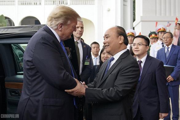 Thủ tướng Nguyễn Xuân Phúc hội kiến Tổng thống Trump - Ảnh 4.
