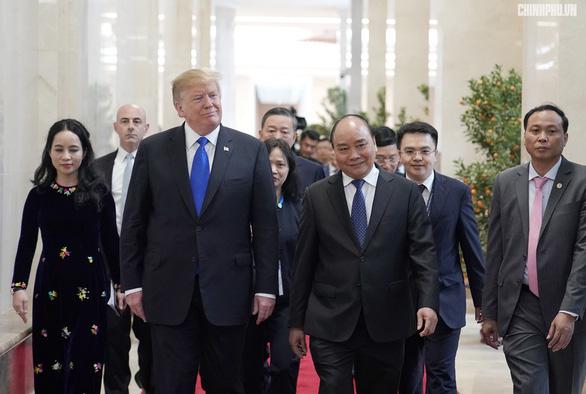 Thủ tướng Nguyễn Xuân Phúc hội kiến Tổng thống Trump - Ảnh 8.