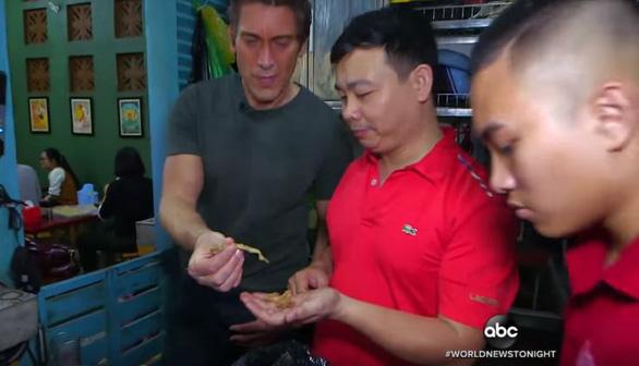 Cà phê trứng, nộm đu đủ, phở bò Hà Nội lên truyền hình Mỹ - Ảnh 3.
