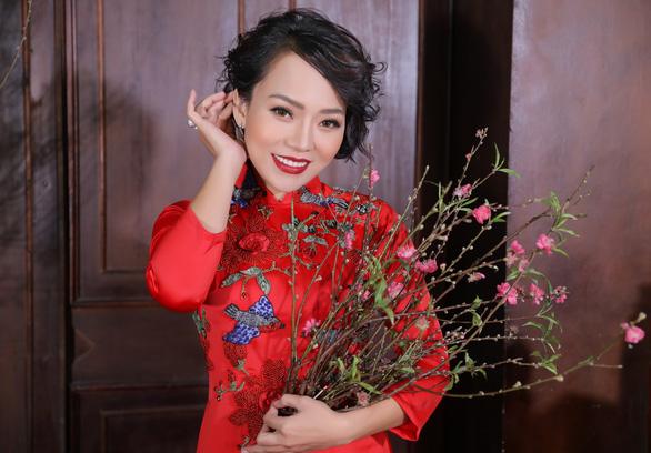 Thái Thùy Linh cố giấu nữ tính để đối đầu giông bão - Ảnh 1.